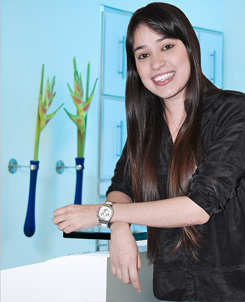 dentists in medellin: Viviana Tobon