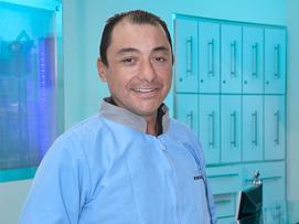 Odontolologo Medellin: David Arango