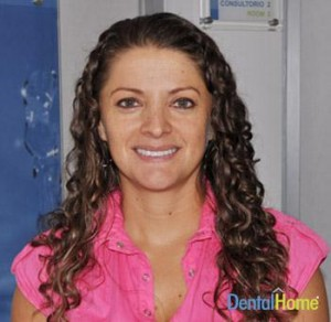 dental-home-estetica-dental-testimonios-cirugia-oral-medellin-monica-fernandez