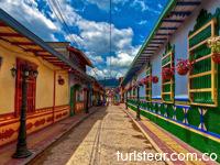 Guatape_turismo_Medellin_turistico_sitios_lugares_Medellin3